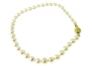 Pearls Bracelet with yellow gold sandblasted sphere