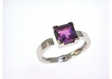 Amethyst Solitaire Ring
