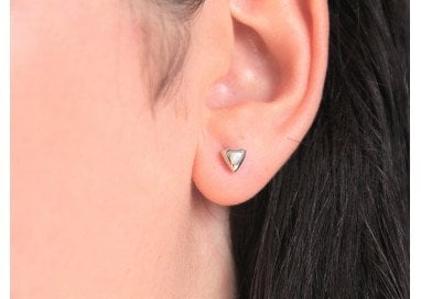 Triangle Earrings in white gold and diamonds