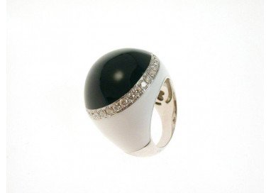 Ring white and black Dome