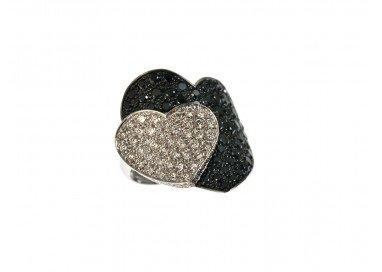 Anello Doppio Cuore con Diamanti Neri e Bianchi in Oro Bianco 18kt foto lato 1