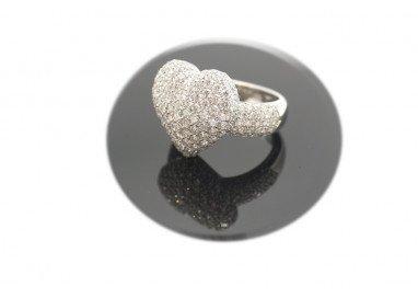 anello cuore pavè con diamanti