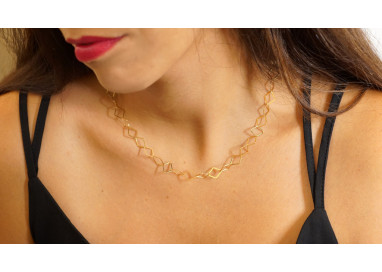 Chain Necklace with flat Rhombus in 18kts yellow gold