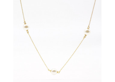 Yellow 18kt gold necklace with 3 Akoya Pearls
