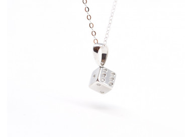 Dice charm in 18kt white gold
